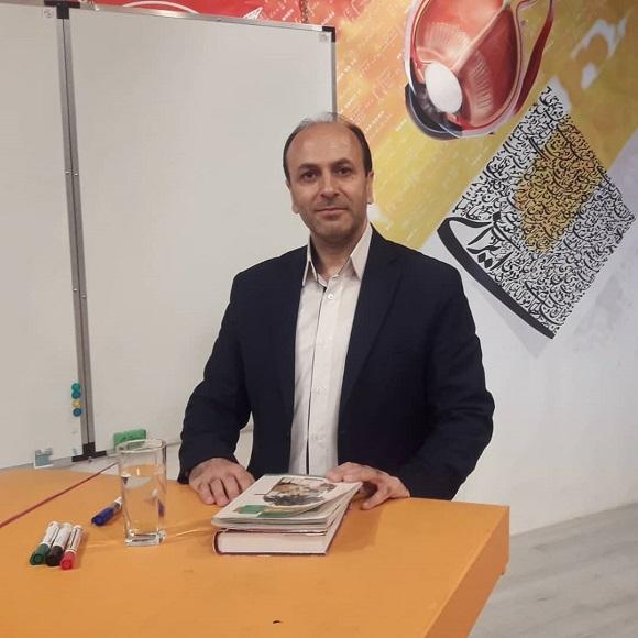 دکتر فریدون کوره ای استاد برتر زبان و ادبیات فارسی